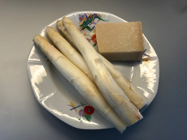 white asparagus with parmesan cheese