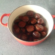Chestnuts ready to be cooked © cadwu