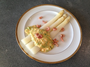 White Asparagus with Scrambled Eggs and Shrimps © cadwu