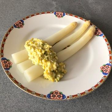 White Asparagus with Sauce Gribiche © cadwu