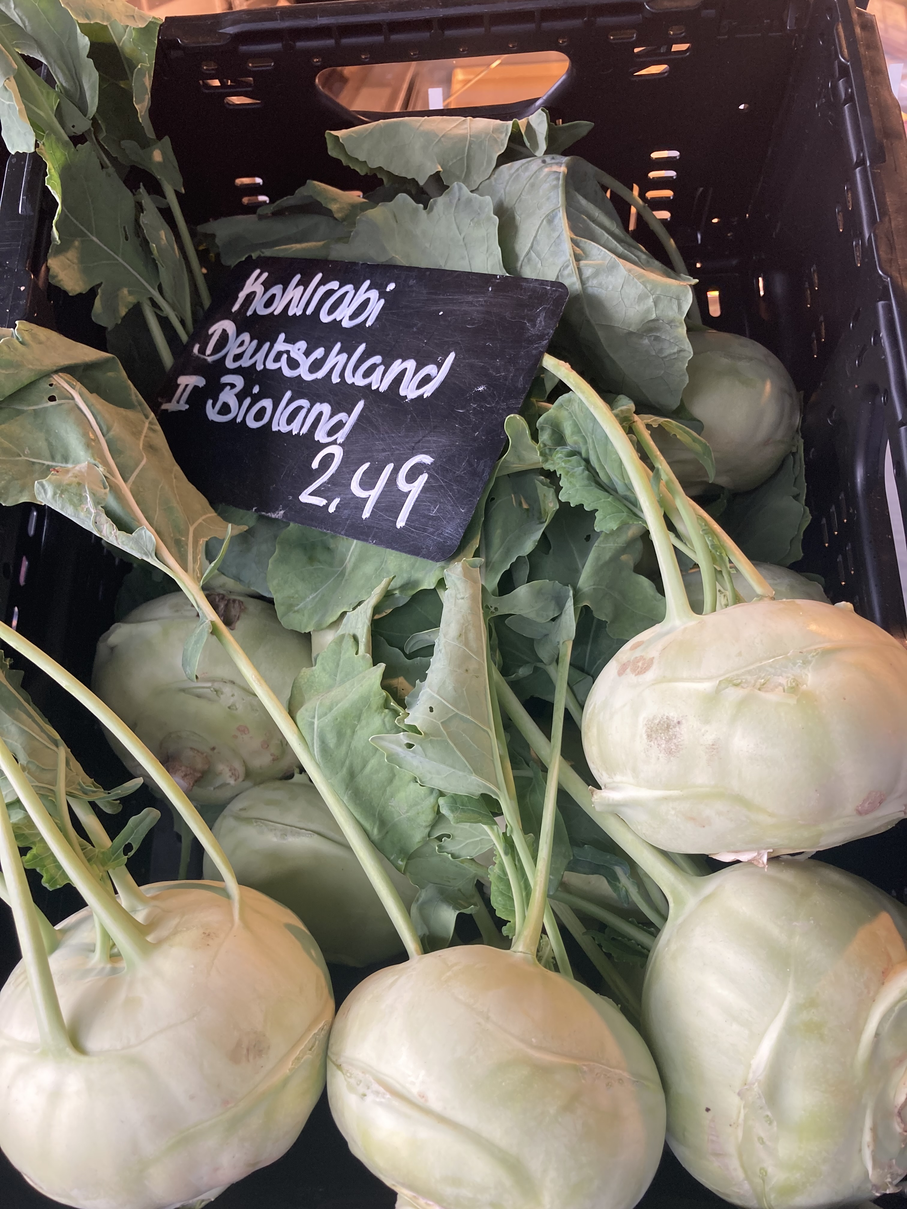 Fresh Kohlrabi on the Market ©cadwu