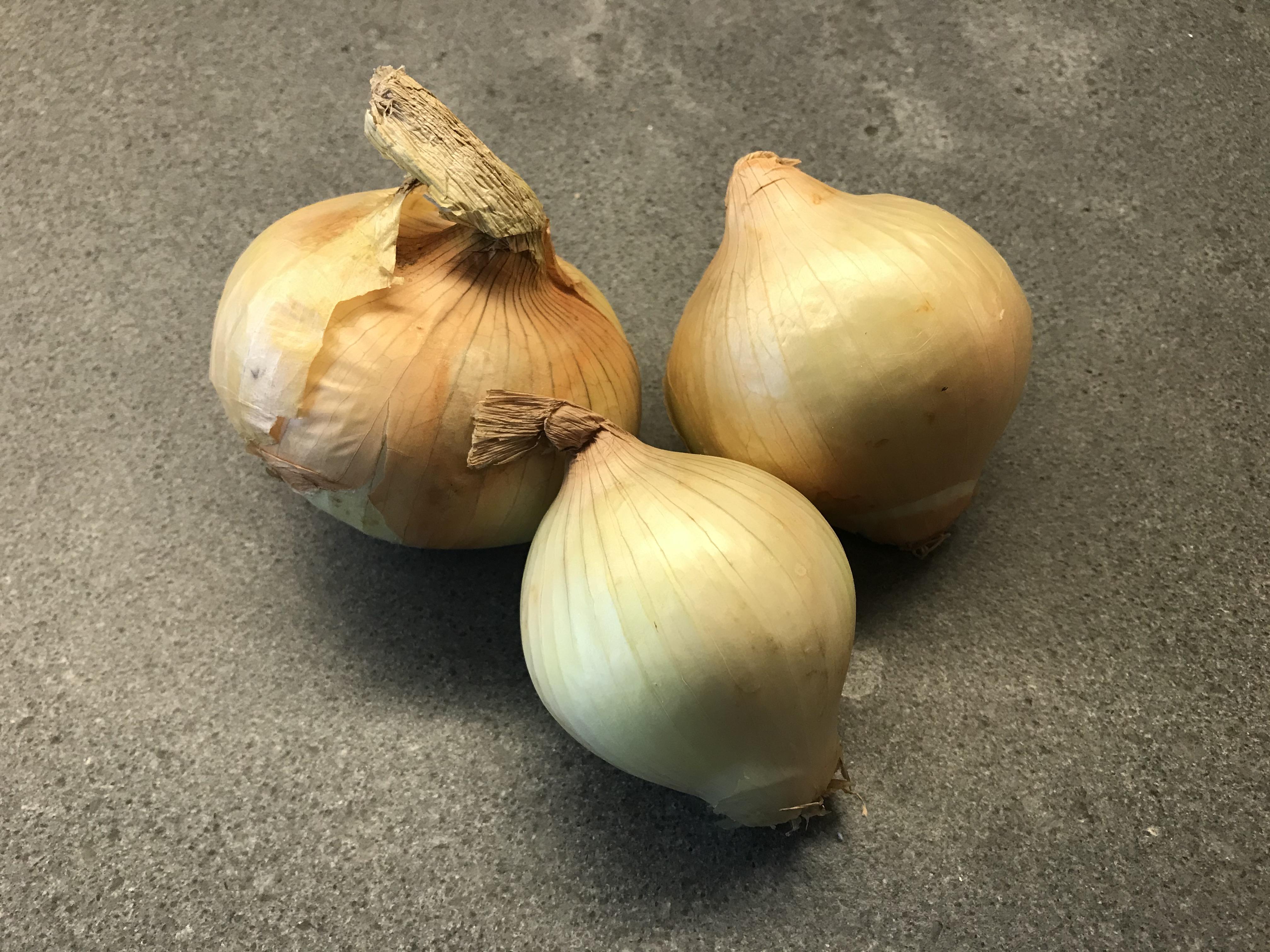 Fresh White Onions ©cadwu