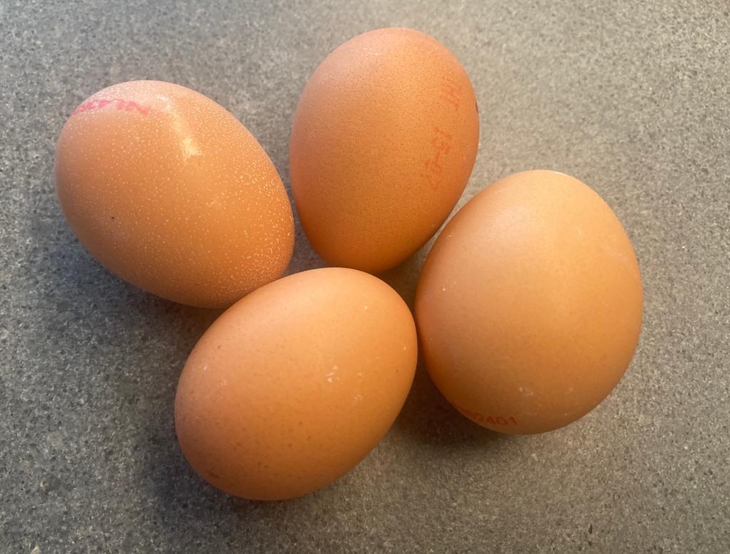 Organic Eggs ©cadwu