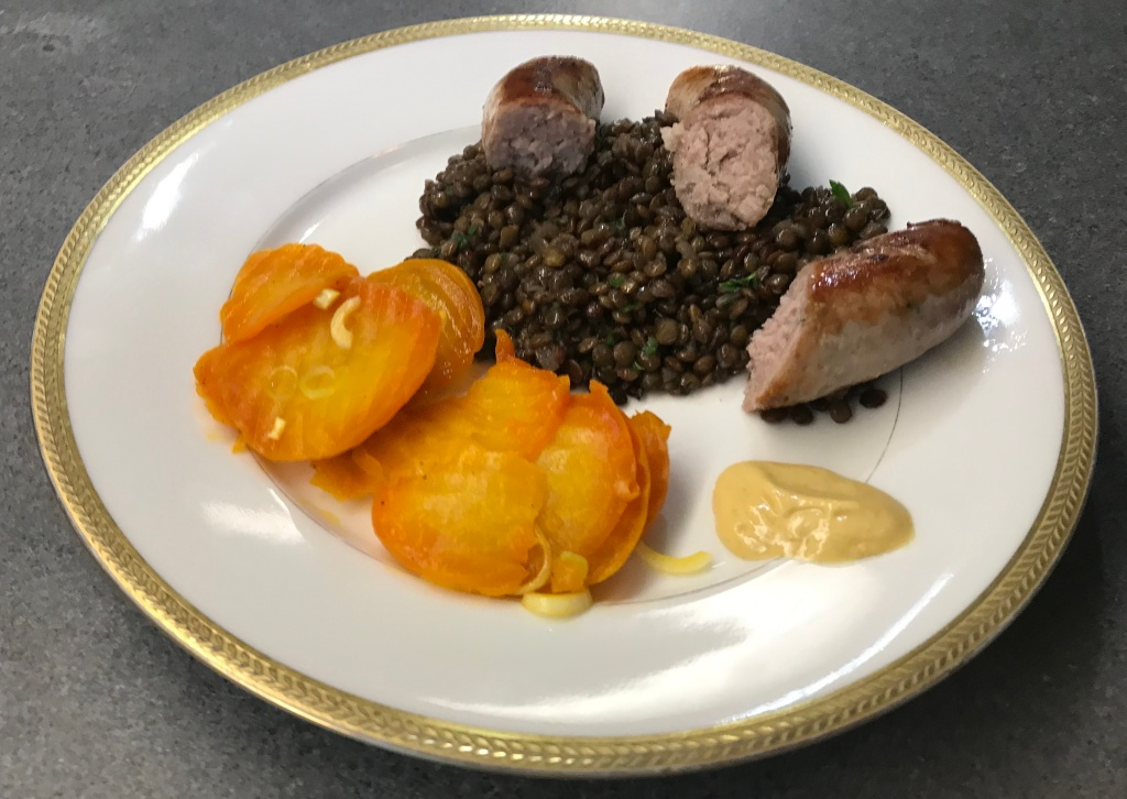 Lentils with Sausage and Beetroot ©cadwu