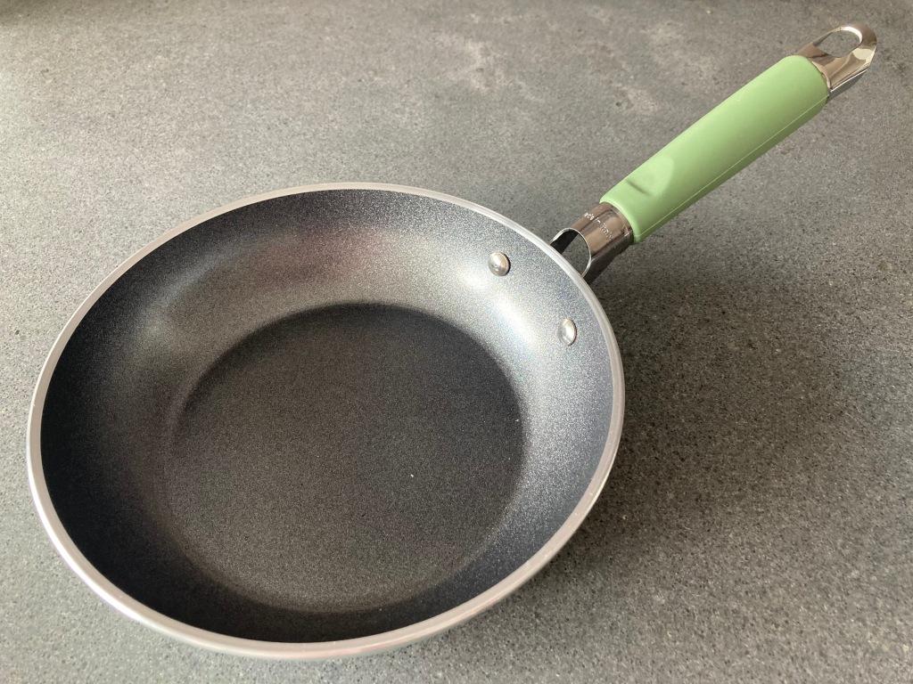 non-stick pan Prime-Cook ©cadwu